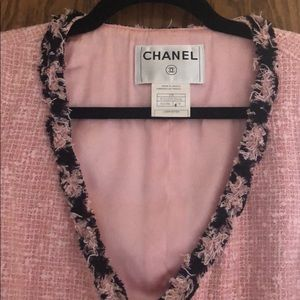 Gorgeous Pink Boucle Chanel jkt